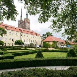 Jardín de la Facultad Pontificia de Teología