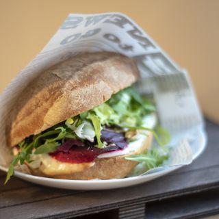 Newport Cafe Magellana