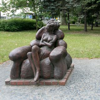 """Rzeźba """"Oczekiwanie"""""""
