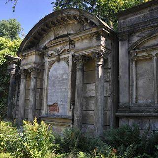 Zwiedzanie z przewodnikiem po Starym Cmentarzu Żydowskim