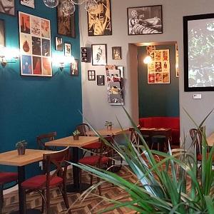 Cosy film cafe