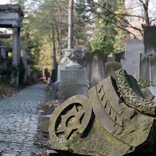 Antiguo Cementerio Judío – Museo del Arte de Cementerio en ul. Ślężnej
